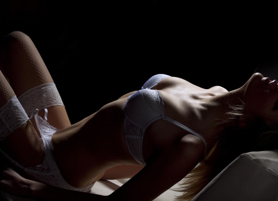 4 Easy, Erotic Ways To Get Your Man BEGGING For More