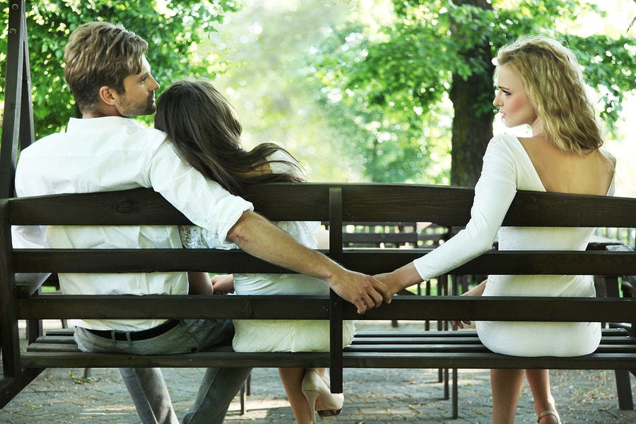 Monogamy = Monotony?—Why Couples Go Rogue