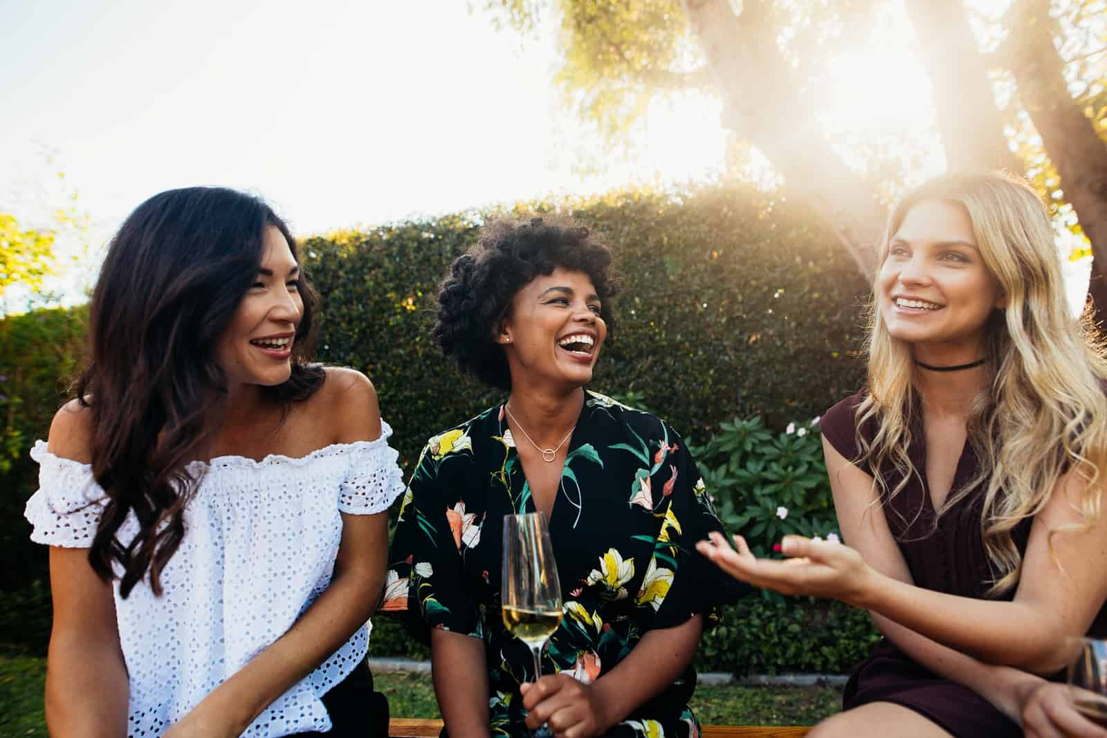 Here Are 5 Things You Need to Know Before Joining a Friendship App