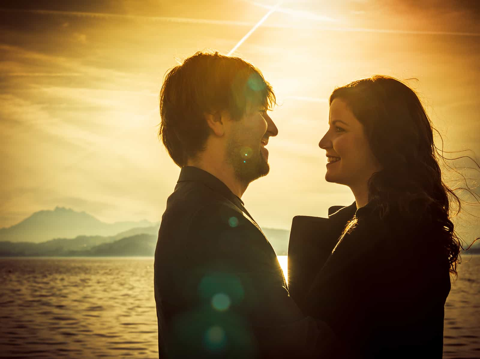 """Why the Advice """"You'll Find Love When You Stop Looking"""" Could be More Harmful Than Helpful"""
