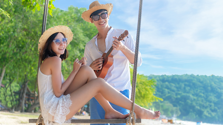 Celebrate Spring! 15 Great Date Ideas to Usher in Warmer Weather