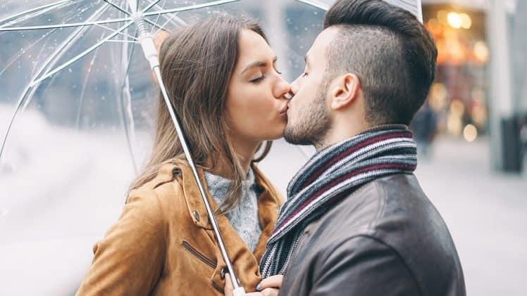 8 Fun Ideas for A Romantic Couple Photoshoot